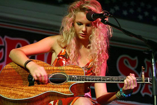 Famous Homeschoolers: Taylor Swift