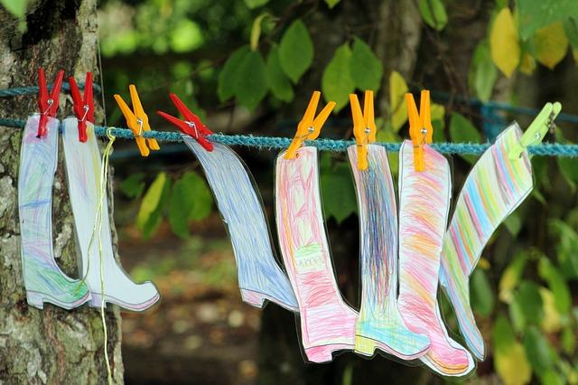 Creating Outdoor Classrooms #8: Offer Outdoor Art Centers.