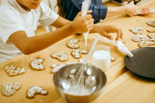 19 Family Ideas for Service Projects During Holidays (and Beyond)